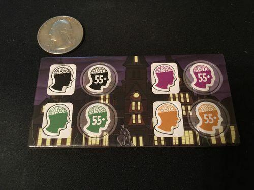 9de103adb41f4 Hráč, ktorý ostane v hre ako posledný, t.j. hráč s najlepším duševným  zdravím, sa stáva víťazom. Alebo hra končí, ak sa minie balík kariet a víťazom  sa ...